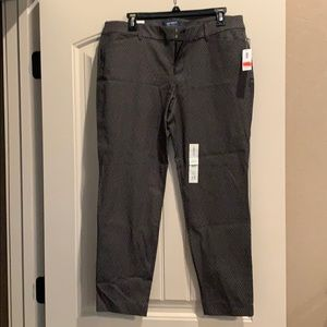 Old Navy NWT MIDRISE PIXIE PANT